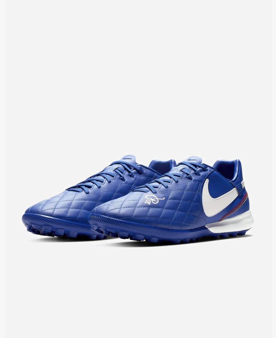 buy popular 55bc9 c5a4e The Nike TiempoX Lunar Legend VII Pro 10R Artificial-Turf Football Shoe  combines responsive foam cushioning and a premium leather construction for  ...